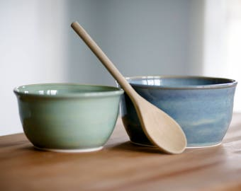 Set of TWO Pottery Bowls - Nesting Bowls - Serving Bowls - Pottery - Pottery Bowls - Handmade Bowls - Mixing Bowls