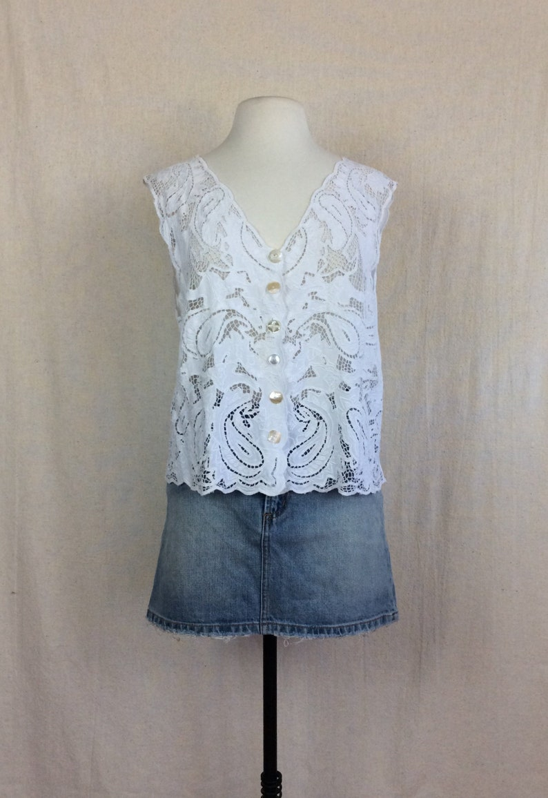 a321be504a3 Balinese Crochet Vest Top    vintage 1970s 70s white cotton