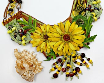 Indian sun-handmade leather necklace with Gerbera
