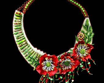 Emerald poppy - Handmade Leather necklace with poppies