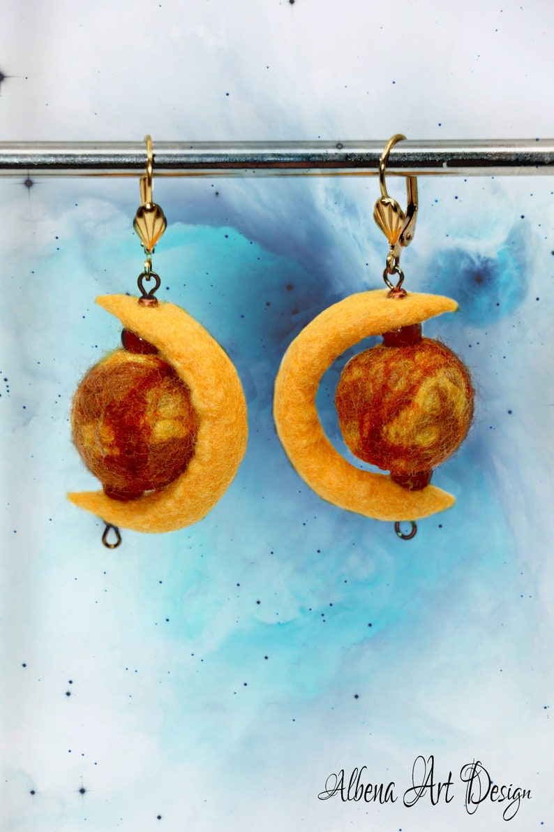 Embracing Mars-handmade earrings made of felt image 0