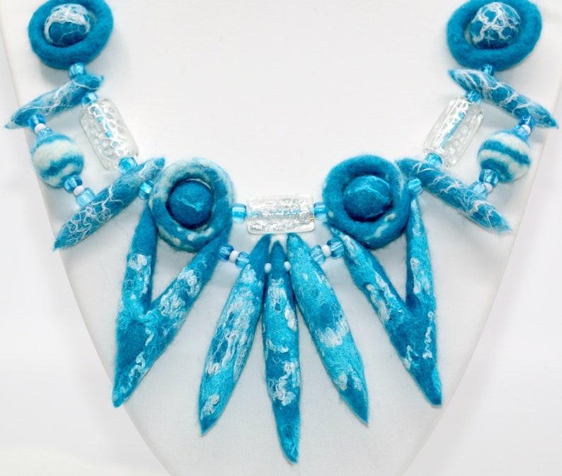 Neptunes Crown-handmade necklace made of felt image 0