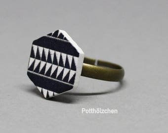 Wooden Ring - Aztec Pattern Black & White 14mm
