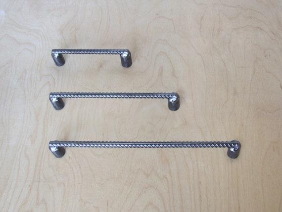 "5 CAST IRON HANDLES RUSTIC DRAWER PULLS 5 1//2/"" LONG W// SCREWS PULL HANDLE WOW!!!"