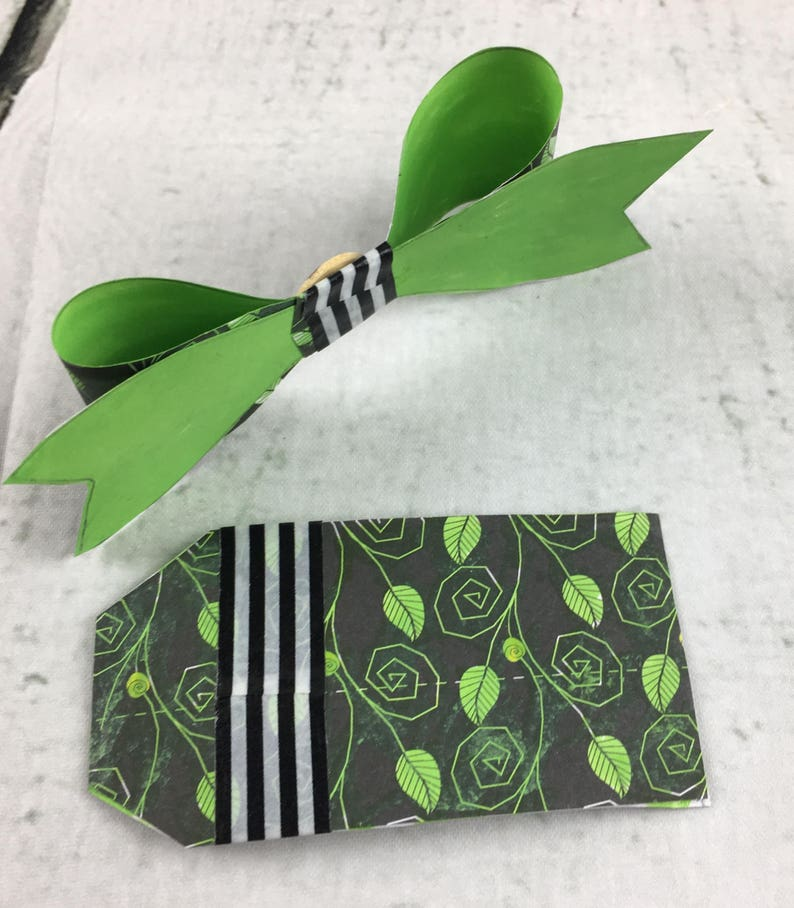 Hand made Green Mystical Vine on Black Paper Bow /& Gift Box Label Gift Tag To From Green Mushroom Button Wrapping Handmade Present Christmas