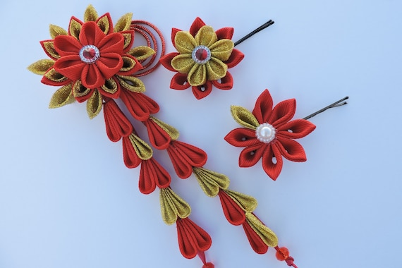 Kanzashi flowers. Set of 3 hair pieces. Red