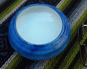 Decorative bowl (blue, white and black)