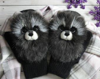 Mittens Raccoon faux fur. Animal mittens