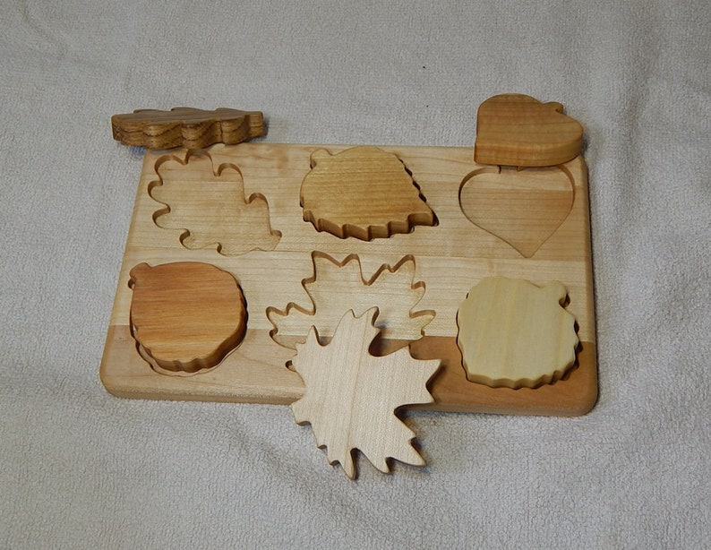 Wooden Shape Puzzle leaf toy busy board Shapes Jigsaw Brain teaser Waldorf Educational toys Organic Montessori Jigsaw Puzzles Toddlers Baby