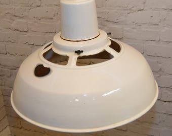 1 available 1960s Benjamin industrial pendant lamps light enamel antique vintage pendant metal factory old restaurant cafe
