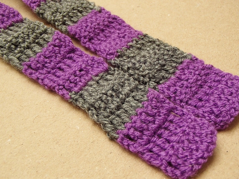 Purple and gray scarf for a cat Striped cat scarf Violet scarf for a cat Gift for cat owner Crochet cat scarf Purple gray cat collar