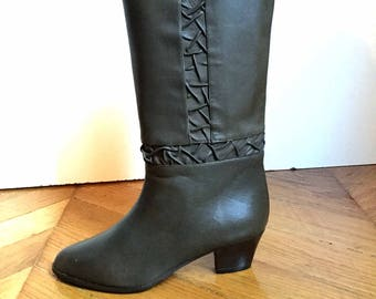 f3332e565fb New soft leather boots dark khaki small heels vintage years 70 made in  Italy 100% leather Shalako size 35 US 4 UK 2