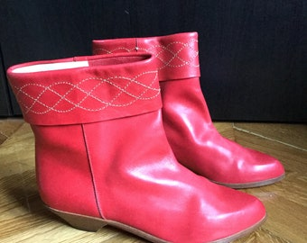 New / Granny boots from the 70's red leather / made in Italy/size EU 39 US 8 UK 6/vintage/Shalako
