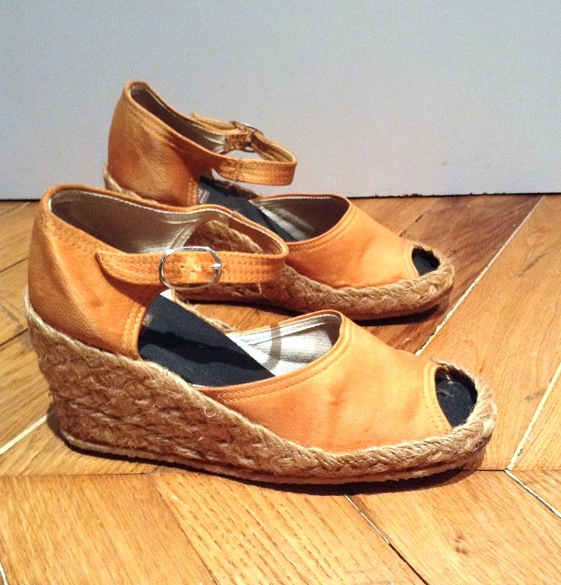 4e1a82607b74a tropezienne Sandals wedge orange vintage satin /Bilo Italy/made in  Italy/new/size EU 36 UK 3 US 5 / 1970's