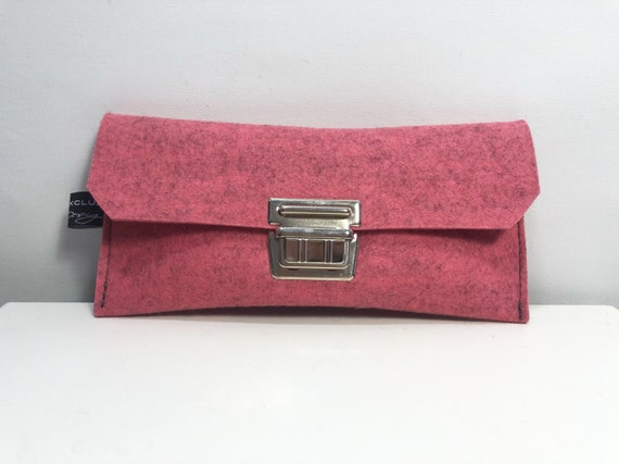 Small pink mottled 100% wool felt clutch with pin lock -05