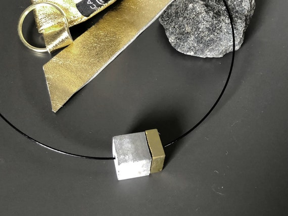 Choker Chain Necklace concrete jewelry gray made of concrete with gold element