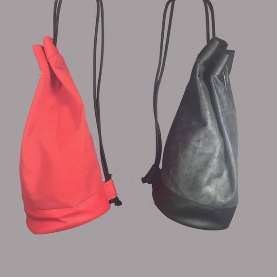 """Designer bag Backpack """"ROUND"""" Kunstleder black or red ∣BAG#100"""