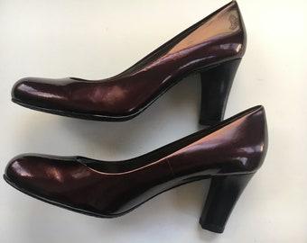 f6ce2658e66 Liz Claiborne Red Burgundy Pumps Size 6