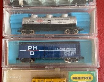 Vintage Model Power Silver Eagle Locomotive w Train Cars N Gauge