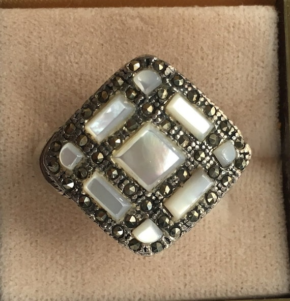 Sterling Silver Marcasite Mother of Pearl Ring Siz