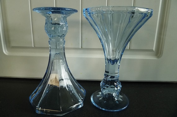 Pottery & Glass Stunning Pair Of Glass Retro Vases