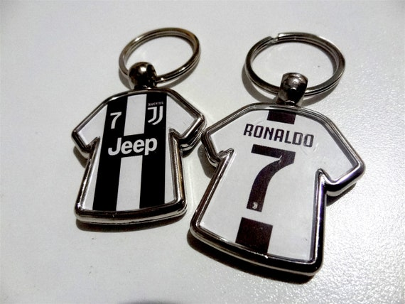 official photos 8a6ee 2c41f Cristiano Ronaldo #7 Juventus CR7 soccer jersey keychain party favor