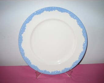 Set Of Four Vintage Johnson Brothers English Ivy Dinner Plates,  White With Blue Border
