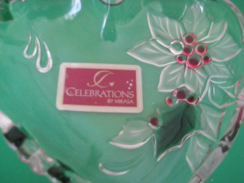 Heart Shape Poinsettia /& Holly Berries Celebrations By Mikasa Vintage Candy Dish 6 x 6 Inches