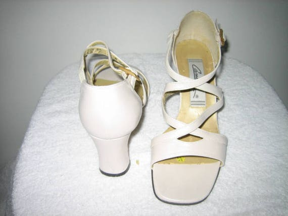 370aad5ae0fae Vintage Bone White Shoes By Caressa, Size 6 1/2 High Heels