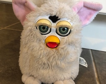 Pink 70-888 1999 Tiger Electronic Furby Special Limited Edition I Love You