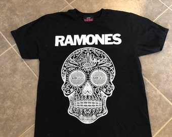 d9b74667633 The Ramones Day Of The Dead T Shirt Size Small