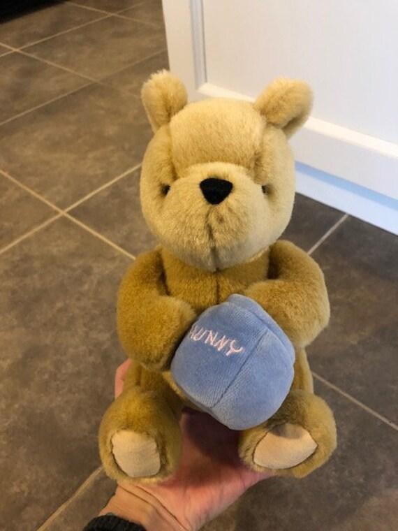 Gund Classic Winnie The Pooh Plush Toy  d242e1c7f23d