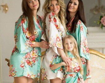 SALE / Silk Bridesmaid Robes Set- 16 Colors - Gift for Bridesmaid -Robes for Bridesmaid -Bridesmaid Gift- Bridal Robes - Wedding Robes