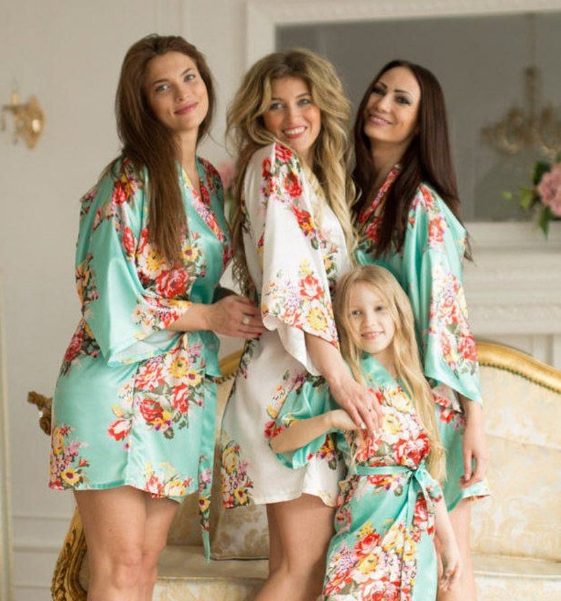 SALE / Silk Bridesmaid Robes Set 16 Colors  Gift for Mint