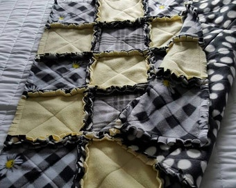 Lap Rag Quilt in various colors and patterns