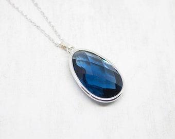 Long chain silver Blue dark blue Navy