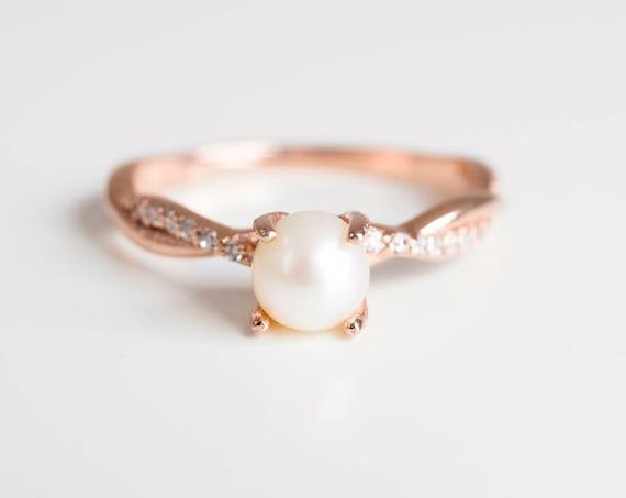 Pierścionek Zaręczynowy Z Perłą Pierścionek Zaręczynowy Z Brylantem Pierścionek Zaręczynowy Pierścionki Dla Kobiet Vintage Looking Ring