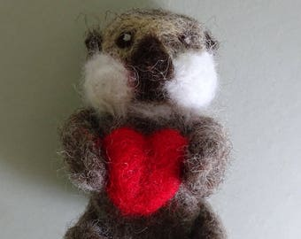 Felted sea otter - needle felted otter - otter collectable - otter with heart - otter with shell  - otter miniature