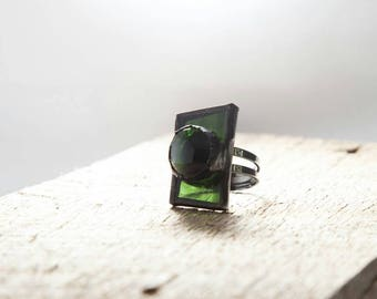 Green stained glass ring