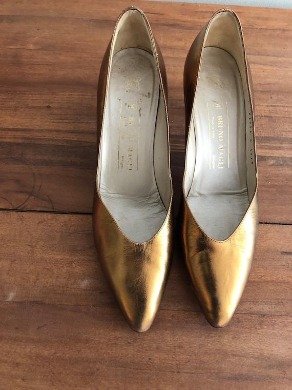 1960's flashy bronze-gold Bruno Magli shoes pumps