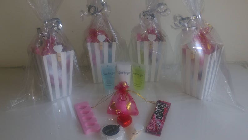 10 x Girls Teenagers Ladies Hens Luxury Pre Filled Party Bags Wedding Favours
