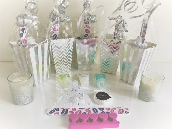 Pampers Hen do/'s Sleepovers 5 x Girls Pre Filled Luxury Party Bags Birthday