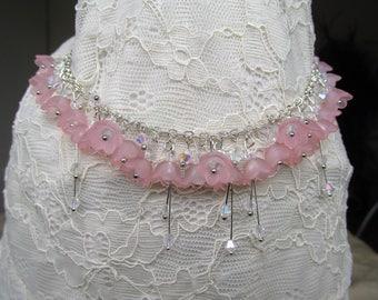 Spring flower necklace soft pink