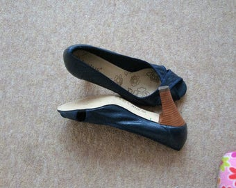 Navy Lotus vintage peep toe Leather Shoes size 6