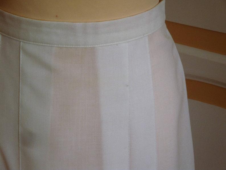 2b45c135f Smart White Vintage Skirt size 12 uk | Etsy