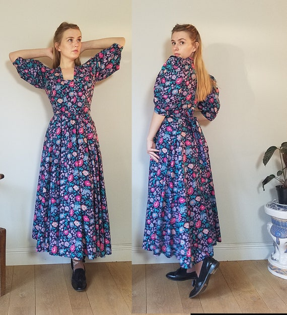 80s Droopy and Browns Floral Cotton Dress. Size Sm