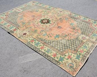 Decorative Vintage Rug