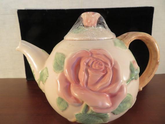 Earthenware 60 oz Fitz and Floyd English Garden Teapot New in Box.