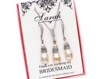 Personalized bridesmaid gift, bridesmaid jewelry set, pearl bridesmaid jewelry, pearl necklace earring set, pearl bridal jewelry set