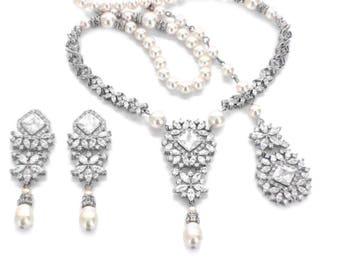 Bridal jewelry set, wedding jewelry set, pearl jewelry set, Swarovski pearl necklace earrings, pearl backdrop necklace set statement jewelry